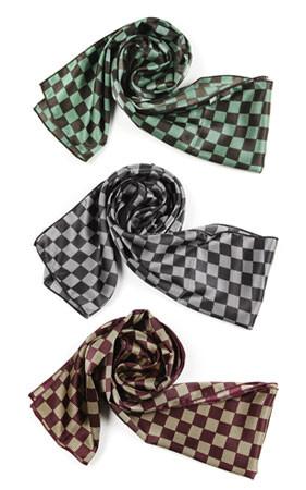 帕罗西汀的Damier围巾