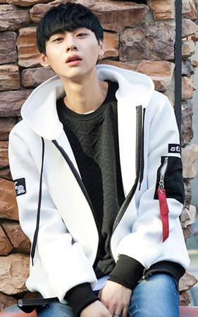 2018春季男装科迪<br>圣氯丁橡胶带帽拉链