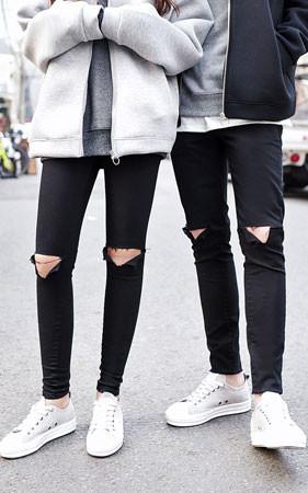 情侣Ť切黑紧身牛仔裤