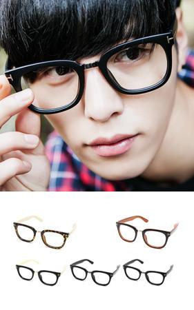 Nero的圆形眼镜