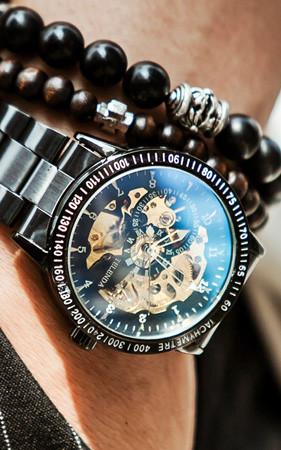 蓝宝石机械手表