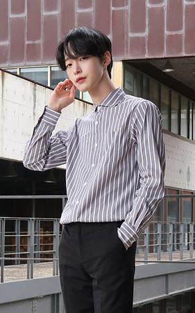 圆润的条纹衬衫