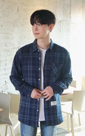 大理石格纹衬衫
