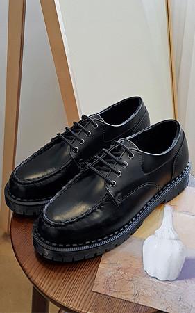 4厘米的高度<br>阿克拉德比鞋