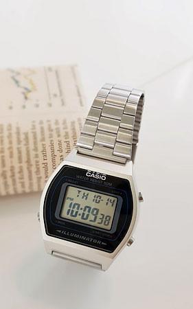 卡西欧640金属手表