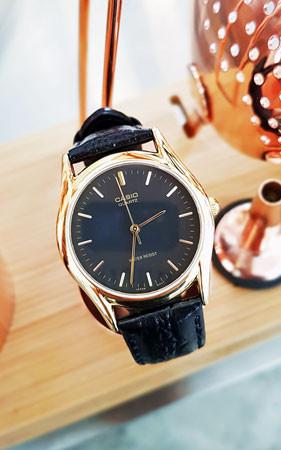 卡西欧金色皮革手表