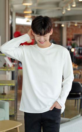 F / w最少宽松款长袖T恤