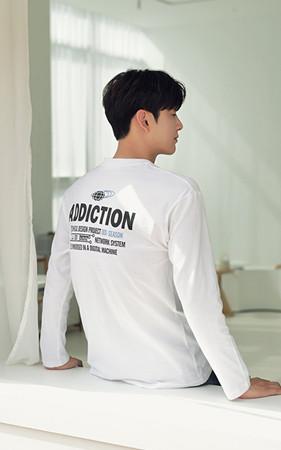 ADDICTION圆领T恤衫