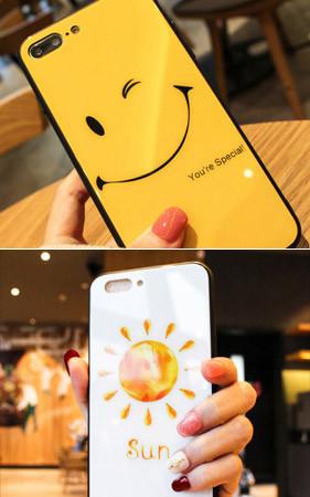 黄色的微笑iphone盒子