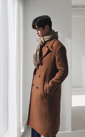 很棒的双排扣羊毛呢子大衣